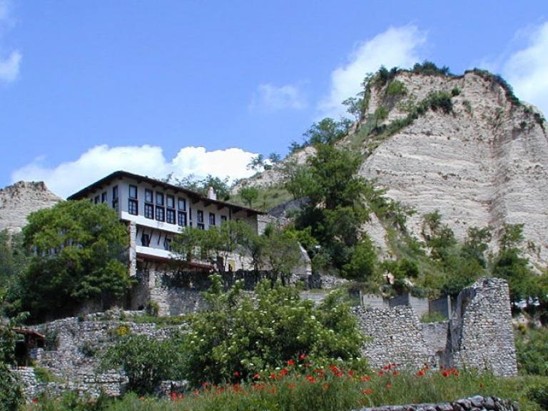 Кордопулова къща (нар. още Цинцарова къща)