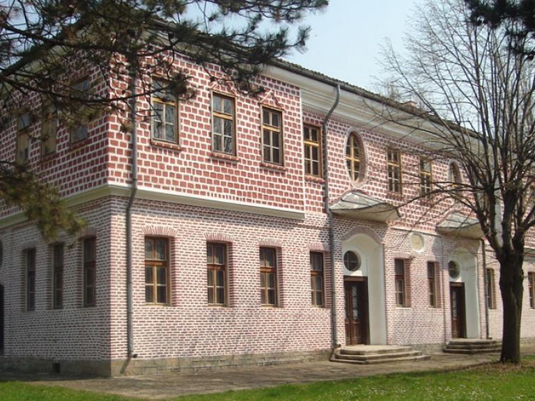 Търговище – Славейковото училище