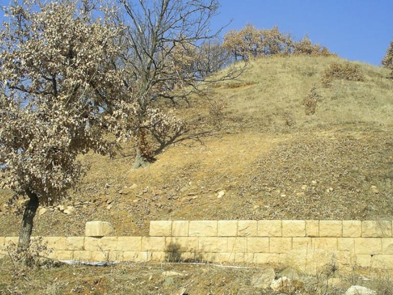 с. Старосел - Тракийска гробница